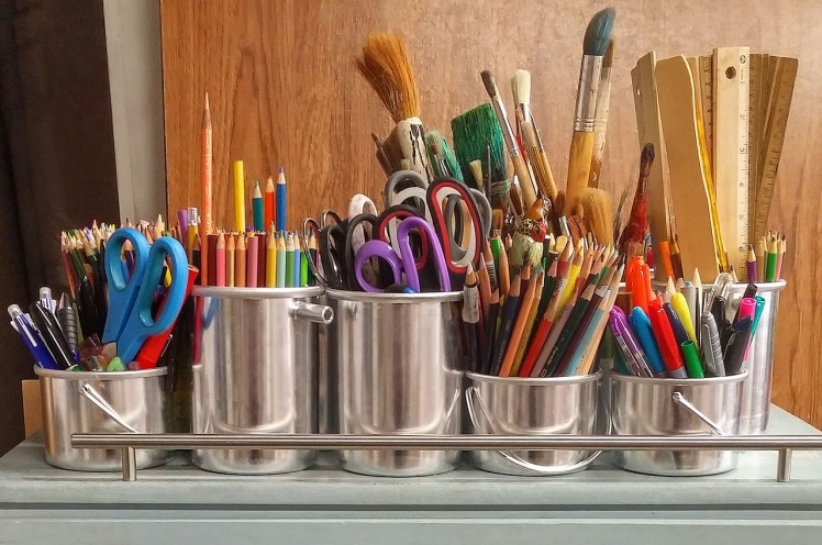 art-supplies-1324034_1280